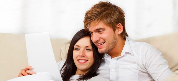 Paar macht Kreditanfrage